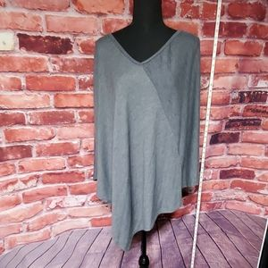Size large woman's poncho Go Couture